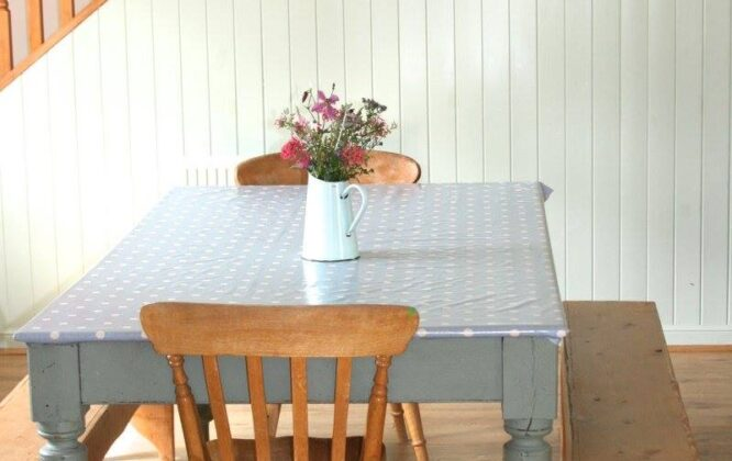 Picture of a dining table