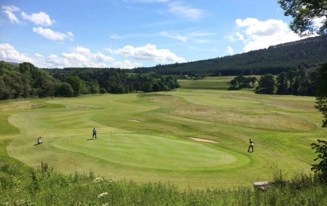 Picture of golfers on Ballindalloch golf course