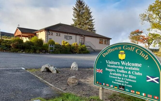 Picture of Dufftown gold club sign