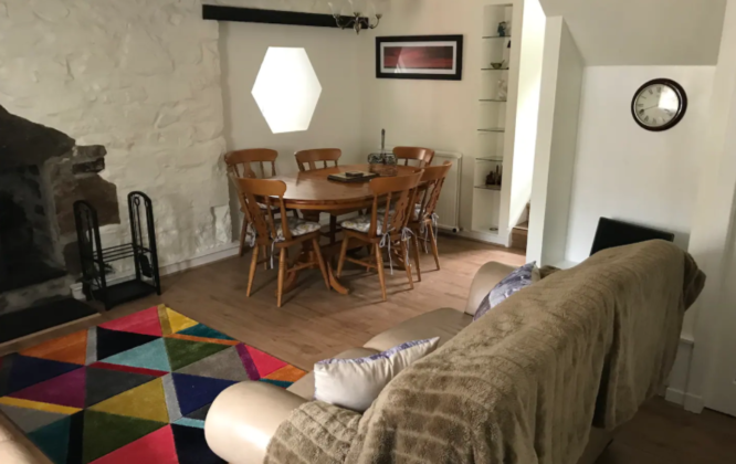 Dinning Table of 26 North Castle Street