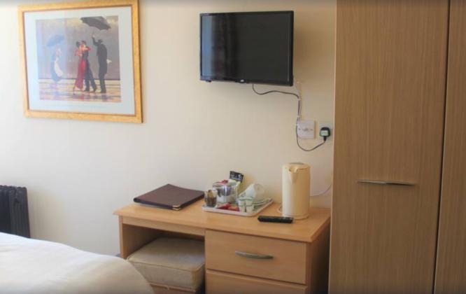 Garmouth Hotel Bedroom