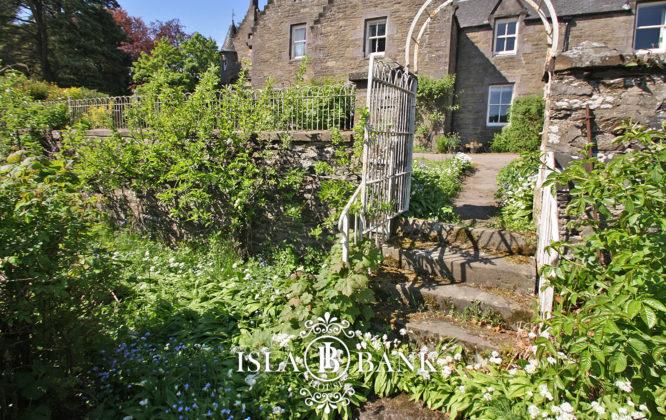 Picture of garden in Isla Bank Hotel