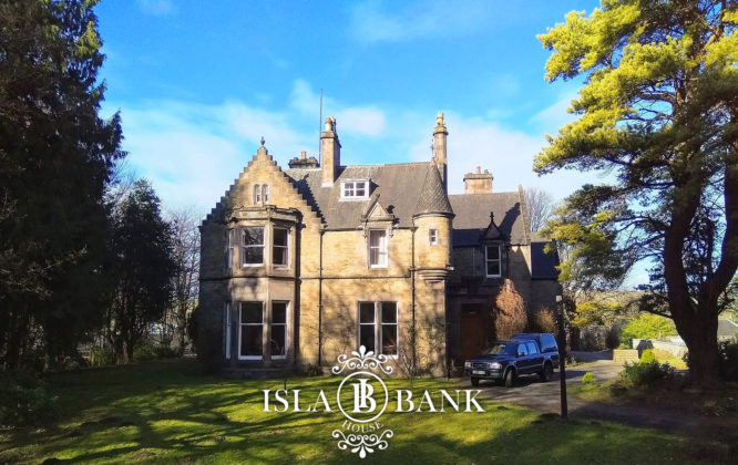 Picture of the Isla Bank Hotel