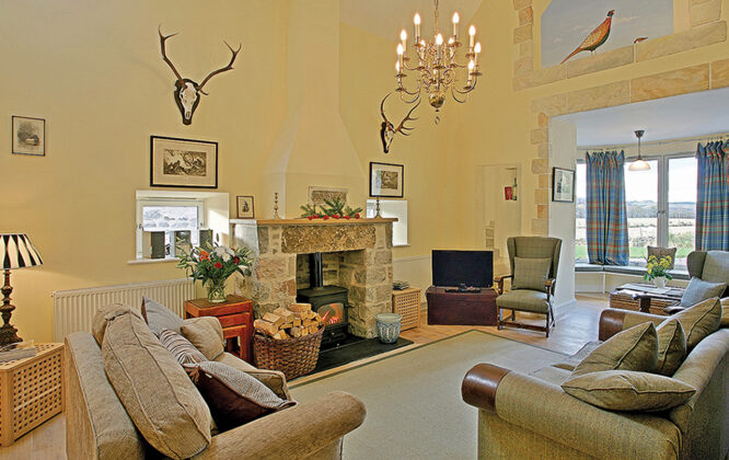 Picture of Weiroch Lodge living area